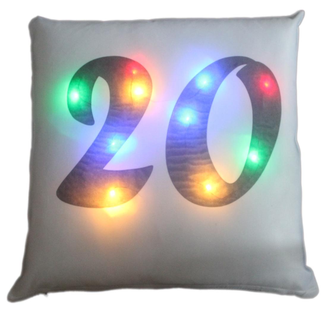 LED Kissen Zahl 20 weißes Kissen mit bunten LED